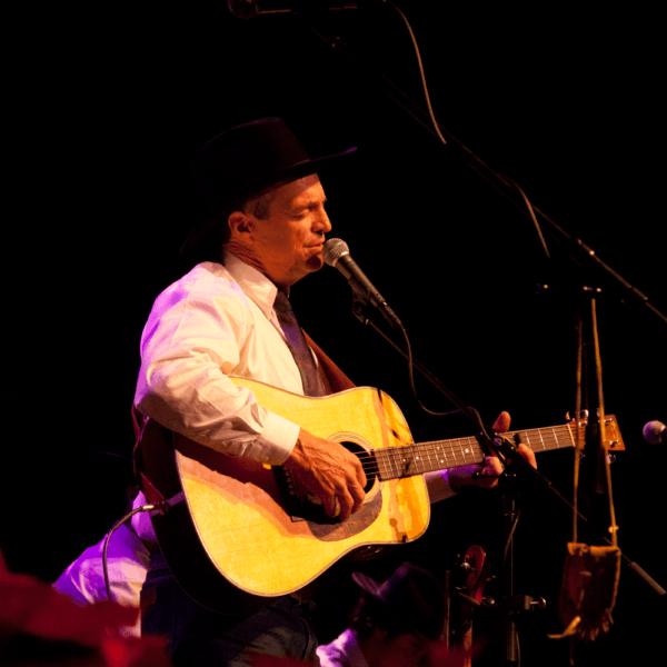 dave-munsick-sheridan-wyoming-western-artist-singer-songwriter-performer-7